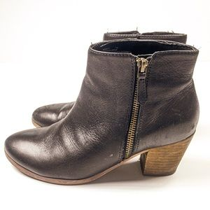 Vintage Crown Leather Booties Black With Zipper